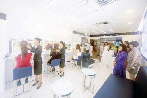 Không gian của showroom Albion
