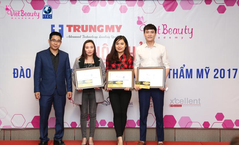 hoi-thoai-dao-tao-chuyen-giao-xu-huong-tham-my-2017-18-tap-chi-vietbeautymag