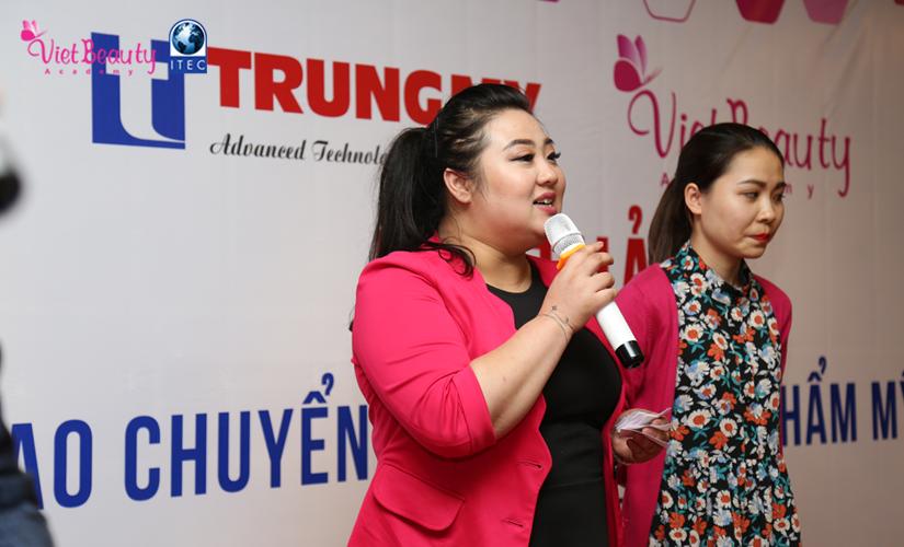 hoi-thoai-dao-tao-chuyen-giao-xu-huong-tham-my-2017-33-tap-chi-vietbeautymag