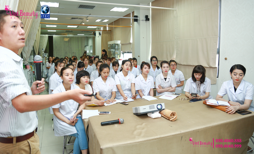 training-cong-nghe-laser-the-he-moi-vietbeauty-academy-tap-chi-vietbeautymag-1