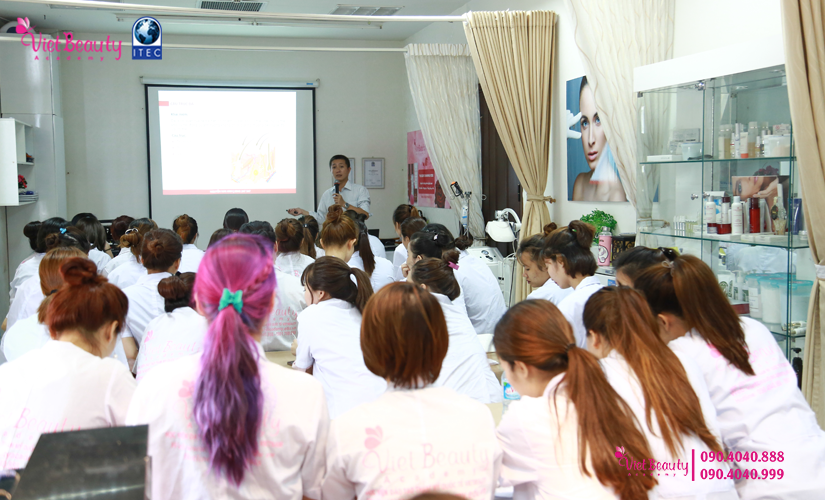 training-cong-nghe-laser-the-he-moi-vietbeauty-academy-tap-chi-vietbeautymag-12