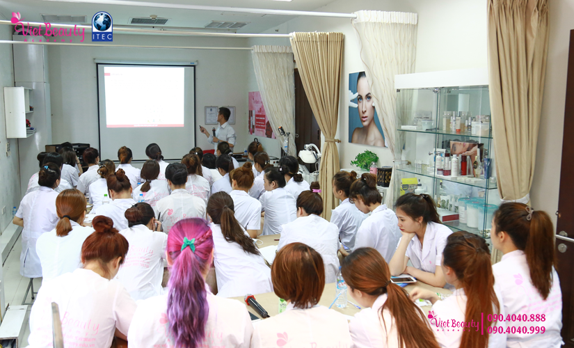 training-cong-nghe-laser-the-he-moi-vietbeauty-academy-tap-chi-vietbeautymag-13