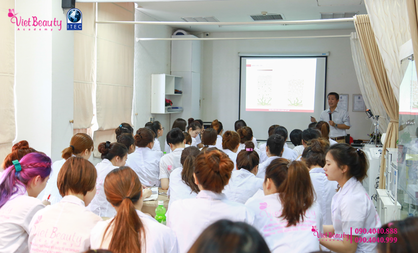 training-cong-nghe-laser-the-he-moi-vietbeauty-academy-tap-chi-vietbeautymag-15
