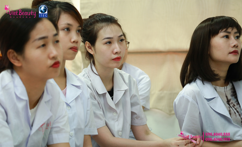 training-cong-nghe-laser-the-he-moi-vietbeauty-academy-tap-chi-vietbeautymag-16