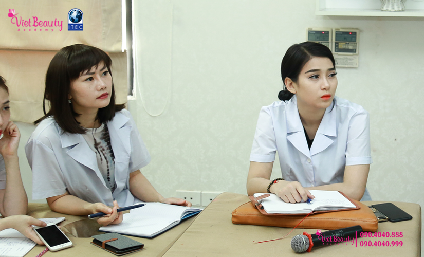 training-cong-nghe-laser-the-he-moi-vietbeauty-academy-tap-chi-vietbeautymag-17