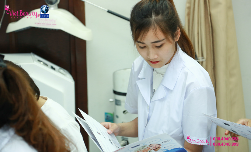training-cong-nghe-laser-the-he-moi-vietbeauty-academy-tap-chi-vietbeautymag-18