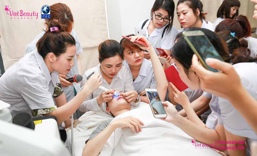 training-cong-nghe-laser-the-he-moi-vietbeauty-academy-tap-chi-vietbeautymag-20