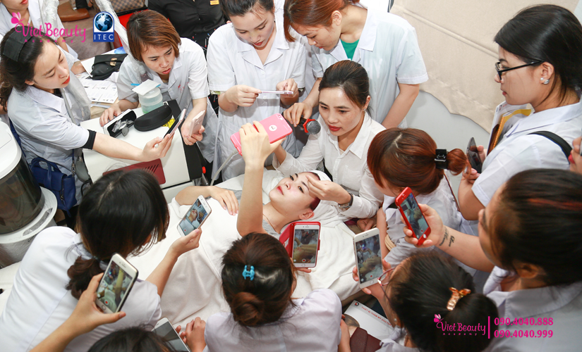 training-cong-nghe-laser-the-he-moi-vietbeauty-academy-tap-chi-vietbeautymag-22