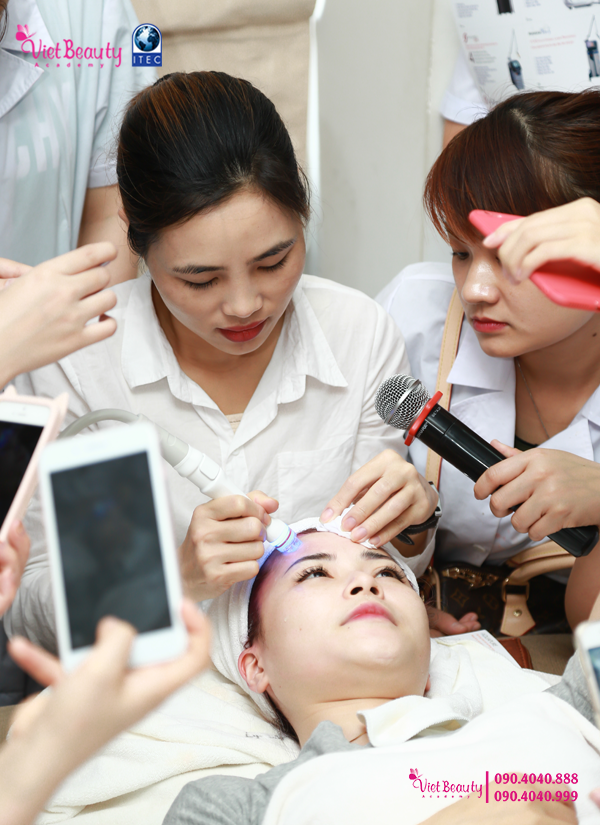 training-cong-nghe-laser-the-he-moi-vietbeauty-academy-tap-chi-vietbeautymag-25