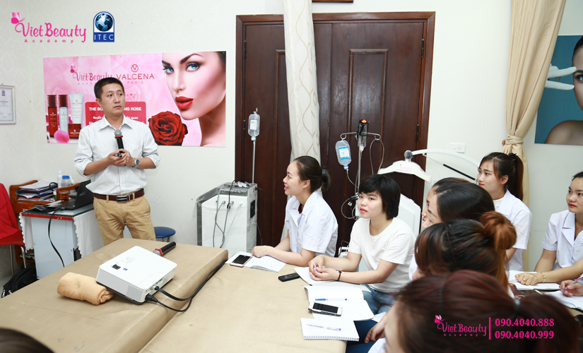 training-cong-nghe-laser-the-he-moi-vietbeauty-academy-tap-chi-vietbeautymag-6