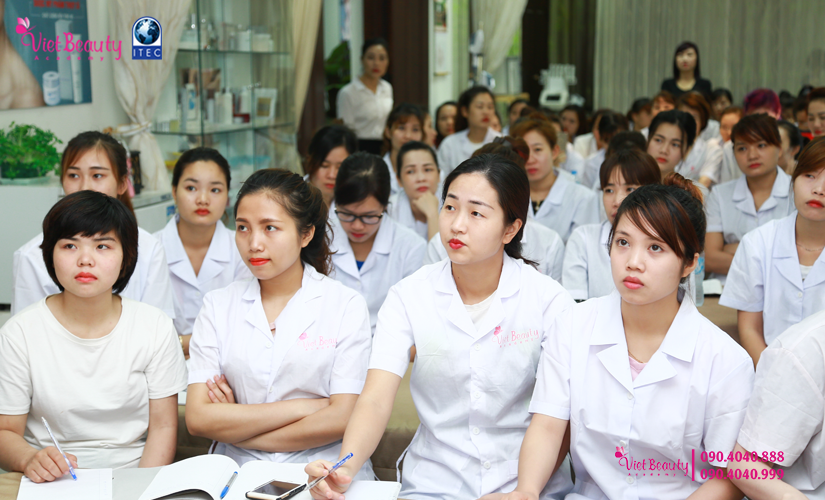 training-cong-nghe-laser-the-he-moi-vietbeauty-academy-tap-chi-vietbeautymag-8