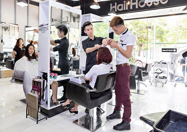 hair-house-salon-tuyen-gap-tap-chi-vietbeautymag-3